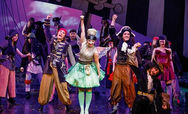 Die Schattenseite der guten Fee: Tinker- Bell (Marina Petkov) hat sich aus Rache den schlimmen Piraten angeschlossen.