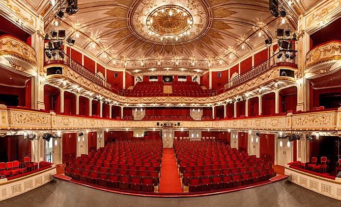 Im Stadttheater wird die neue Saison präsentiert. Schauspielpräsentation ab 18.00 Uhr , Musiktheaterpräsentation im Anschluss ab 19.30 Uhr. © Bühne Baden