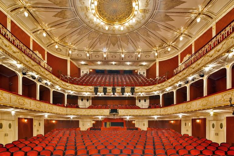Im Stadttheater wird die neue Saison präsentiert. Schauspielpräsentation ab 18.00 Uhr, Musiktheaterpräsentation im Anschluss ab 19.30 Uhr. © Bühne Baden