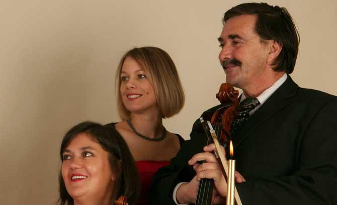 Russische Impressionen mit dem Art Trio Baden: Irina Nikolayeva, Kinga Vass und Imre Csiszér. © Imre Csiszér