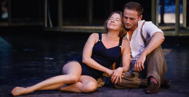 Swintha Gersthofer (Marianne) und Dominic Oley (Alfred)