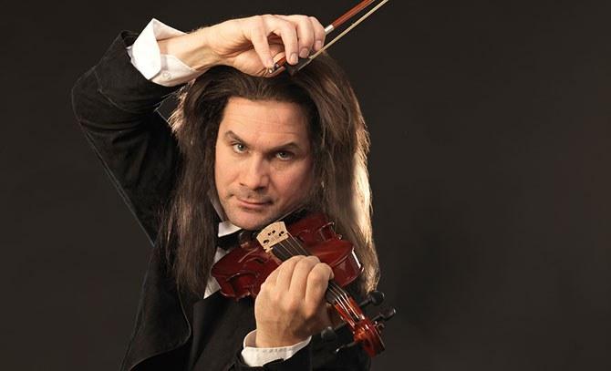 Lehárs Operette, ein musikalisches Denkmal an den italienischen Geiger Paganini, dargestellt von Jevgenij Taruntsov © Bühne Baden