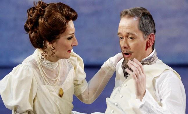 Tragik pur! Desiree Armfeldt (Patricia Nessy) und Frederik Egerman (Jens Janke)