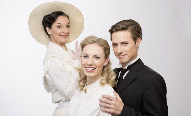 Der Broadway-Musicalhit auf der Bühne Baden – mit Patricia Nessy, Eva Serrarens und Lukas Perman.  © Bühne Baden