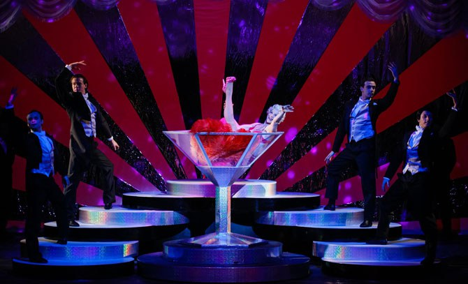 Burlesque Einlage beim Operettenklassiker. © Christian Husar