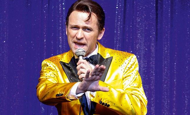 Seine TV-Show ist ein Hit: Reinwald Kranner als Corny Collins