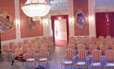 Das Max Reinhardt Foyer der Bühne Baden –  Raum für Kleinkunst, Kabarett, Kammermusik, Matineen, Soireen, Publikumsgespräche und Night-Lines.